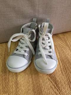 Old Navy High cut sneaker shoes