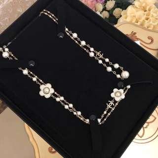 Chanel 長珍珠花花頸鏈