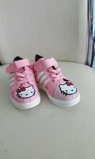 hello kitty pink shoe