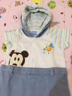 Mickey baby jumper with hoodie
