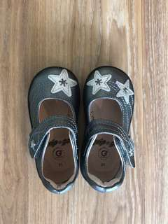 Brand New Pediped Shoes for baby or toddler girls EU21