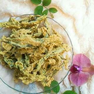 Keripik vege (pare,  terong,  daun singkong)