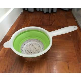 Collapsible Hand Strainer