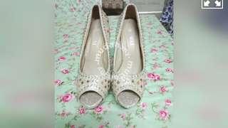 kasut tinggi