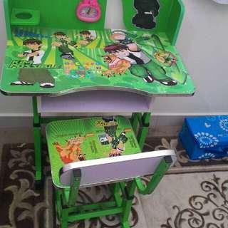 Meja tulis kanak kanak