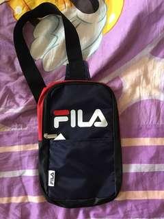 🚚 FILA 斐樂 側背小包