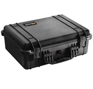BN Pelican 1520 case with foam. (Black)