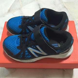 New Balance 690 Boys Running Shoes (EUR 35)
