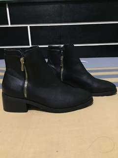 Forever 21 Boots  Black |