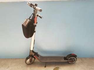 Segway ES2 escooter (mint condition)