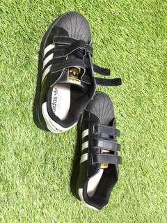 Sepatu Anak Laki - Laki Adidas Casual Hitam
