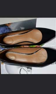 Clarks flats pointed black shoes
