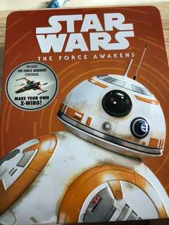 Star Wars- The force awakens story book in collectible BB8 tin