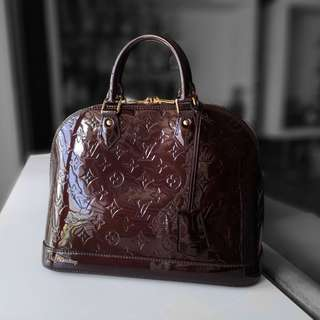 2521a923397fa Authentic Louis Vuitton Vernis Alma PM LV