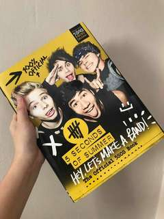 5 Seconds of Summer (5SOS) Official Book
