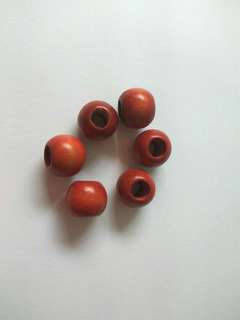 Wooden beads - red