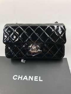 Chanel Handbag A69900 20cm 黑色漆皮超新浄全套購自巴黎保正真品