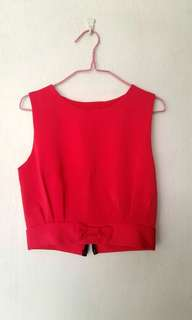 [NEW] Red sleeveless crop top