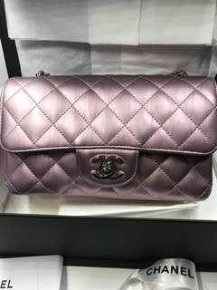 Chanel 熱賣經典季節限定版A69900 Painting Leather 營光粉紅色全新購自巴黎保證真品