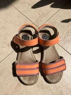Girl sandals (preloved size 3)
