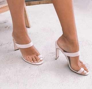 // boohoo - pink heels