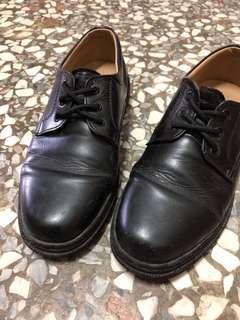 🚚 學生皮鞋 23.5~24 九成新