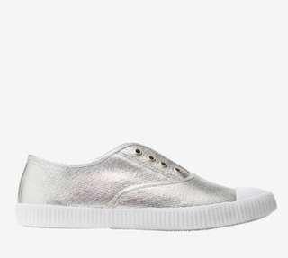 Seed Heritage Silver Sneakers