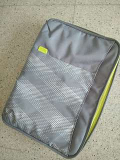 Dicota 15 inch laptop case