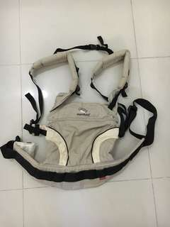 Preloved Manduca baby carrier. Comes with box, preloved not for fussies. Selling cos my baby prefer to sit in a stroller instead