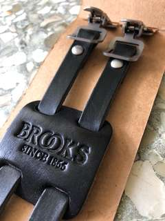 Brooks two singles or one double straps