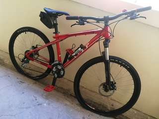 GT Avalanche 3.0 Disc (*Tyres leaking, can't pump in air)