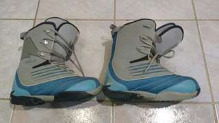 Practically new womens snowboard boots