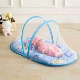 On hand baby bed for boy