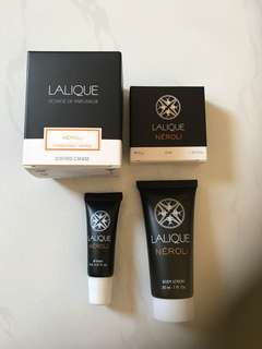 Lalique Scented candle and toiletries set