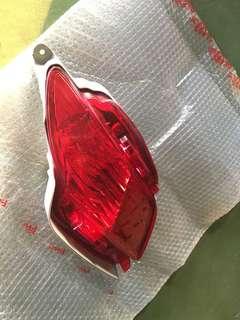 🚚 LEXUS 凌志 RX450h ,後保桿後戶燈燈殼,有小傷不影響作用