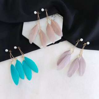 🔥 Colourful feather pearl dangling gold chain elegant earrings
