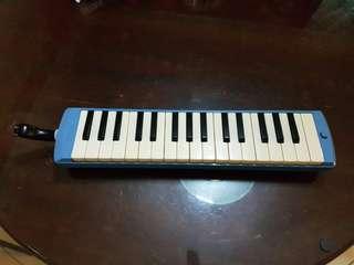 Blow organ/melodica