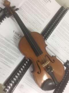 Violin 1/2 size USED