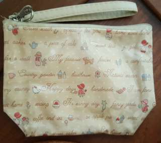 Pouch with handle