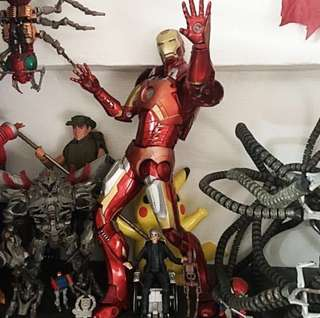<Clearance Sale> NECA Marvel Iron Man 18 inch