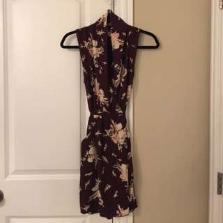 Aritzia/Wilfred Sabine Floral Wrap Dress (Small)