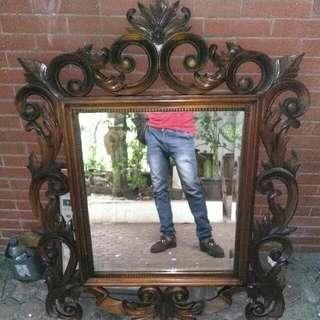 Cermin Ukir