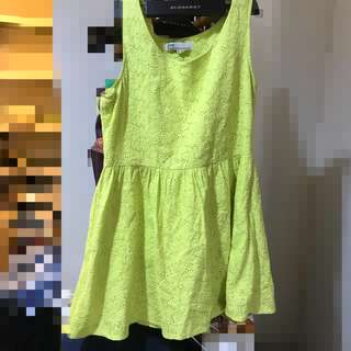 🚚 pazzo 黃綠色草綠色布蕾絲雕花無袖洋裝棉質