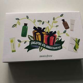 Innisfree 4th anniversary kit