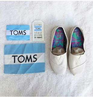 Toms Shoes(off white)