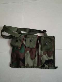 99%new未使用過叢林色M4後備匣袋