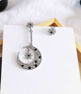 🔥 Asymmetrical diamond encrusted embellished star and moon silver earrings