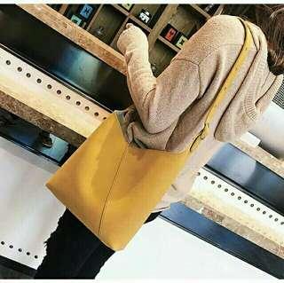 🚚 芥黃色韓版字母手提斜背肩背包包