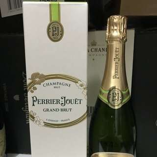 Perrier jouet Grand Brut champagne N.V with box
