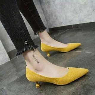 🚚 芥黃色小酒杯方形鞋跟婚禮鞋